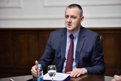 """""""NJEGOVE ODLUKE POTVRDILI SU REZULTATI NA IZBORIMA"""" Jovičić poručio da Nešić ima punu podršku stranke"""