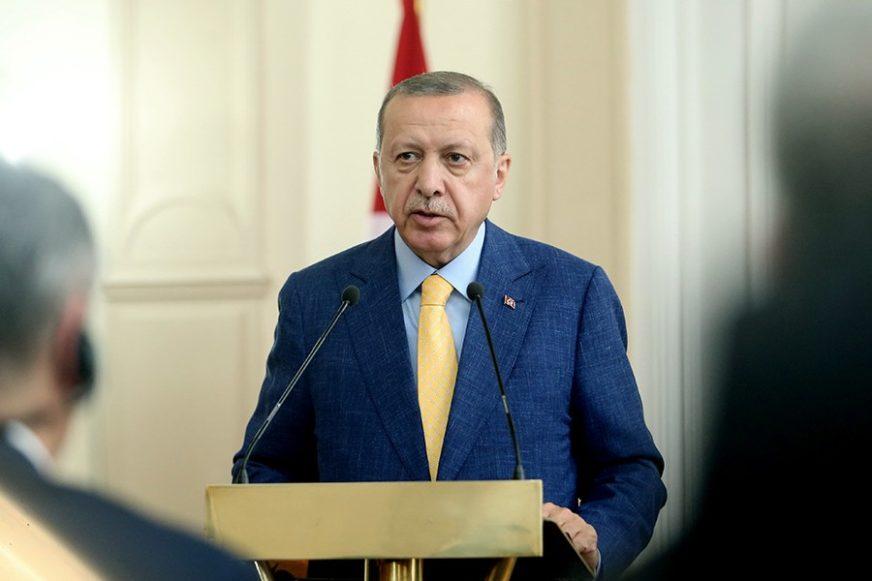 OPTUŽIO TURSKU ZA ANTISEMITIZAM Ambasador Izraela napustio prostoriju tokom obraćanja Erdogana