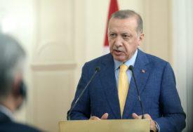 Erdogan: U Siriju moguć povratak tri miliona izbjeglica