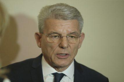 """""""Daju različiti legitimitet i snagu"""" Džaferović poručio da asimetrična rješenja nisu prihvatljiva kod izbora članova Predsjedništva"""