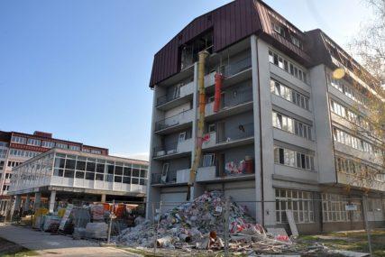 STUDENTI NEZADOVOLJNI, ŽELE POD HITNO U DOM Topić: Prvi paviljonneće biti obnovljen ni do kraja godine