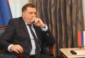 POTVRĐENA PODRŠKA EU Dodik i Varheji razgovarali o aktuelnim pitanjima