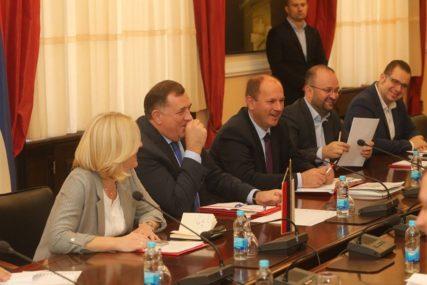 DANAS ODGOVOR NA DEKLARACIJU SDA Dodik traži podršku za OBRAČUN sa Izetbegovićem