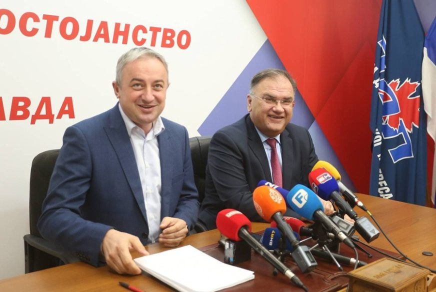 ZBIJANJE REDOVA PRED IZBORE Kako tmuran septembarski dan provode Borenović i Ivanić