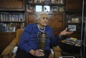 NAJSTARIJA SRPKINJA PROSLAVILA 109 GODINA Baka Nadežda rođena u Visokom, bila prijateljica i Desanke Maksimović