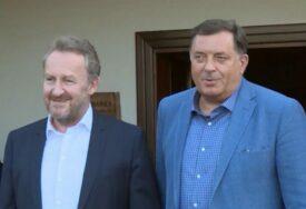 """DODIK I IZETBEGOVIĆ ISTJERALI SDS IZ VLASTI """"Tehnička"""" koalicija na nivou BiH bez novog mandata"""