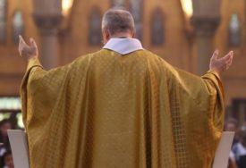 PROŠIRILO SE POPUT POŽARA Zaraženi čovjek otišao u crkvu i zarazio oko sto ljudi
