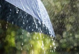 KIŠA NEPRESTANO PADA U Velikoj Britaniji objavljena upozorenja na poplave