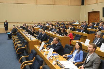 Građani biraju jedno, dobiju drugo: U parlamentu Srpske i stranke koje NISU BILE NA IZBORIMA