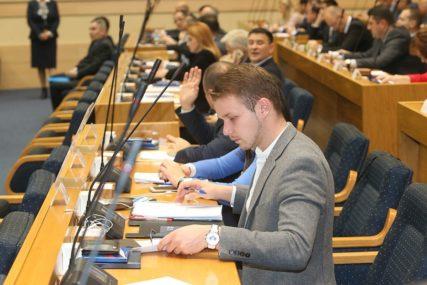 Poslanik SNSD-a zatražio da Stanivuković ponovo polaže zakletvu