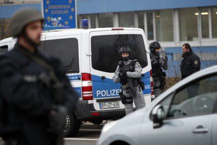 METAK U GLAVU! Popularni političar pronađen MRTAV u dvorištu porodične kuće