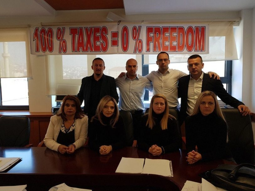 Poslanici Srpske liste ušli u skupštinu KIM, čekaju Hana