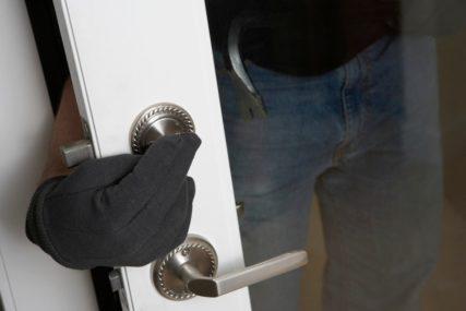 POLICIJA ĆUTI O SPAJDERMENU Upada u stanove, krade novac i NESTAJE BEZ TRAGA