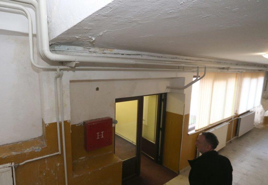 Škola u Bronzanom Majdanu opet prokišnjava