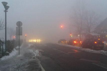 OPREZNO ZBOG POLEDICE Na put ne treba kretati bez zimske opreme, snijeg tokom noći