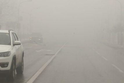 OPREZ ZBOG MAGLE I POLEDICE Većina puteva prohodna, upozorenje zbog smanjene vidljivosti