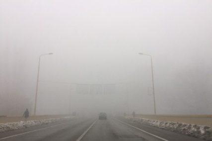 OPREZ NA TOČKOVIMA Zbog velikih padavina mokar kolovoz, magla i odroni