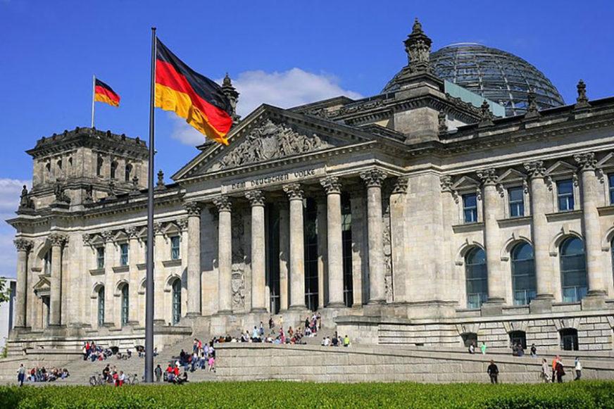 NJEMAČKA ULAZI U TEHNIČKU RECESIJU Evo šta to znači za najjaču evropsku ekonomiju