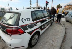 NESREĆA U SARAJEVU Policajac automobilom udario pješaka