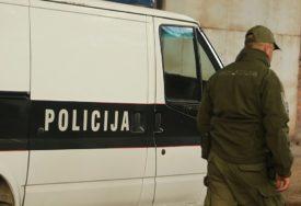 """POLICIJSKA AKCIJA """"DIZNI 3"""" Rasturao marihuana iz poslovnog prostora"""