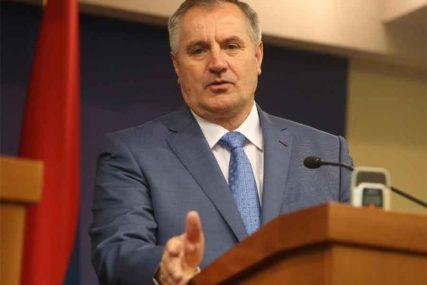 """""""NE ZNAM KO GOVORI ISTINU"""" Premijer RS pozvao nadležne da istraže slučaj """"pelene"""""""