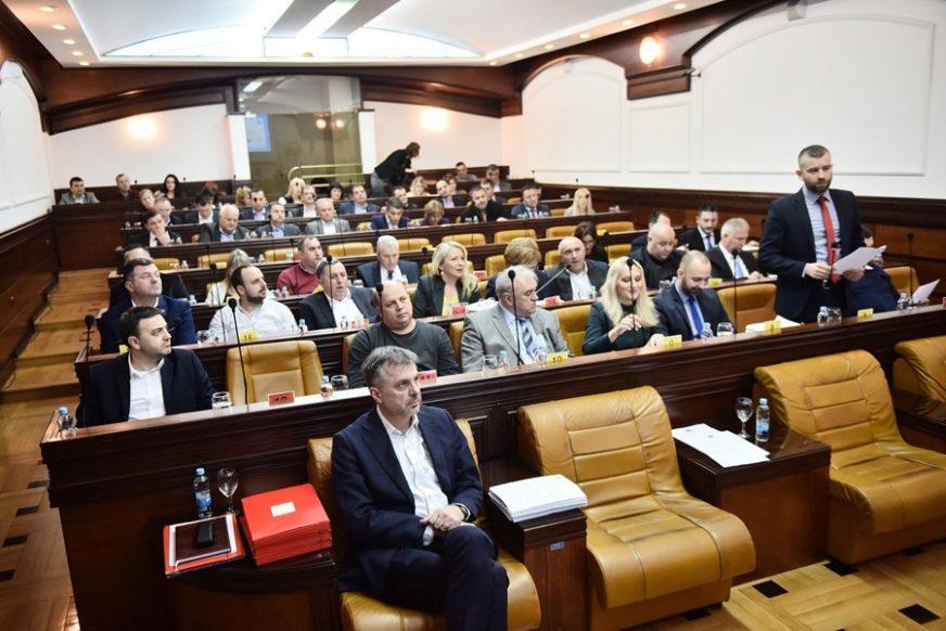"""ODVOZ SMEĆA POSKUPLJUJE ZA 0,02 KM Iduće sedmice odbornici odlučuju o zahtjevu """"Čistoće"""""""