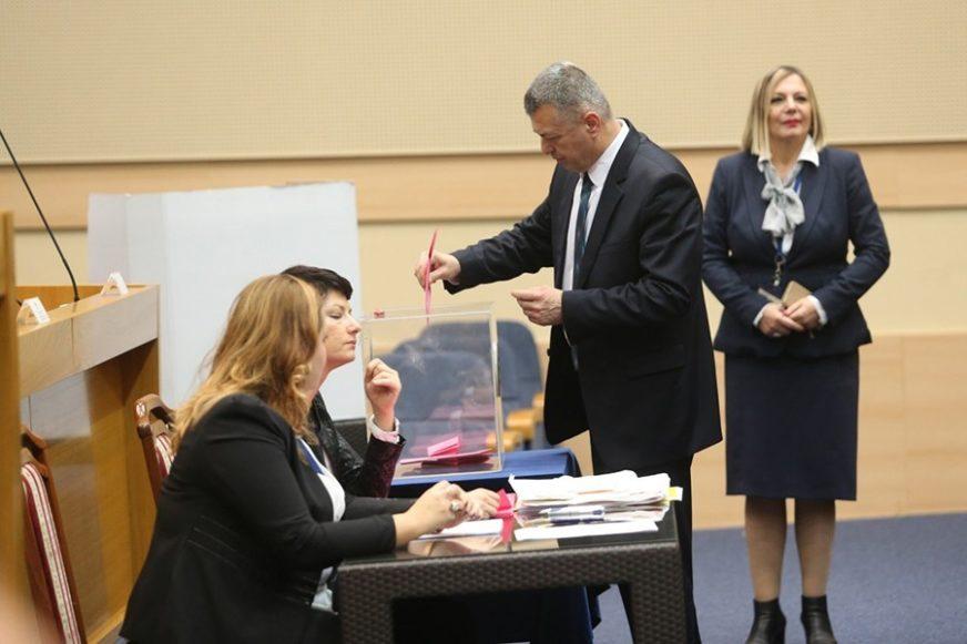 U Dom naroda Parlamentarne skupštine BiH idu Mladen Bosić i četiri člana SNSD