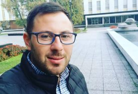 PLEMENITA IDEJA ĆE UJEDINITI VLAST I OPOZICIJU Duško Tadić uvjeren u inicijativu za besplatne udžbenike