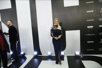 NEPREPOZNATLJIVA Lena Kovačević podijelila kako je izgledala sa 20 godina, komentari PLJUŠTE (FOTO)