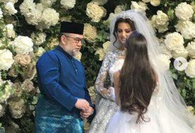 ODLAZAK SA TRONA ZBOG LJUBAVI Malezijski kralj oženio bivšu Mis Moskve i odlučio da SKINE KRUNU