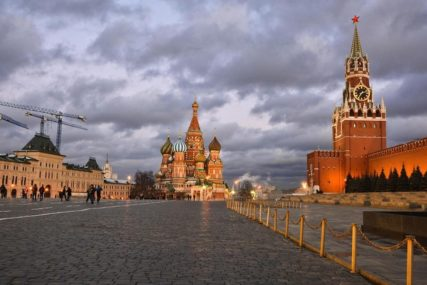 ZIMA JE, ALI NE ŠTIPA ZA NOS Rusija bilježi najtopliju godinu ikad, za doček dopremaju snijeg