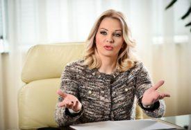 """""""GLEDAJTE TV, ČASOVE NEĆEMO NADOKNAĐIVATI"""" Poruka ministarke o nastavi na daljinu"""