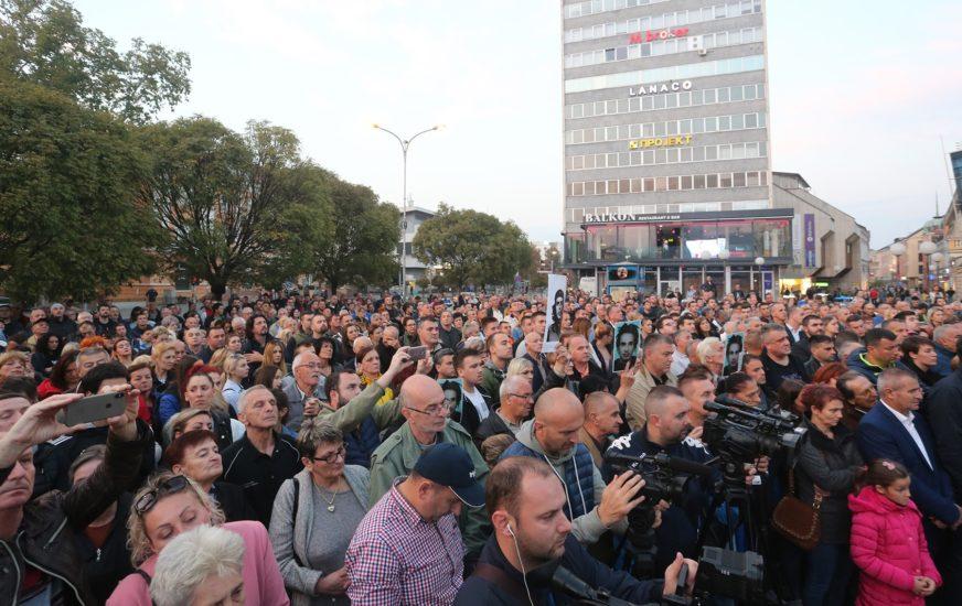 VIŠE POSLA, MANJE POLITIKE Da li Srpsku ugrožavaju obojene revolucije ili siromaštvo?