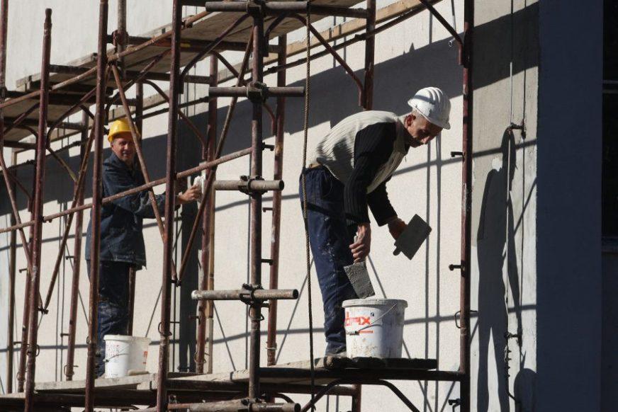 Grade luksuzne stanove, daju MIZERNU PLATU: Poslodavci KUKAJU za radnicima, a ne žele da se odreknu ni DIJELA PROFITA