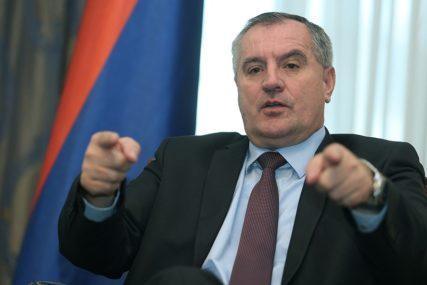 Višković sindikatu i poslodavcima: Dogovorite se, ne svaljujte krivicu na Vladu Srpske