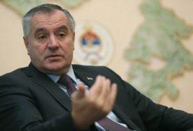 Višković: Očuvanje ćirilice treba da bude u fokusu vlada Srpske i Srbije