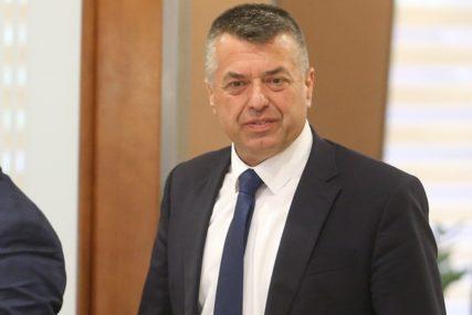 """""""NEMA SKRIVENIH NAMJERA"""" Senad Bratić o apelaciji Kluba Bošnjaka u vezi sa smrtnom kaznom"""