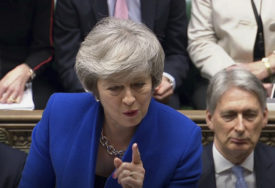 UDARAC ZA TEREZU MEJ Parlament Britanije PREUZEO KONTROLU nad Bregzitom