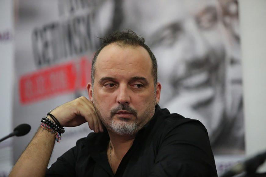 PJEVAČ TVRDI DA JE HAKOVAN Toni Cetinski ugasio Fejsbuk profil nakon STATUSA koji se pojavio na njegovom privatnom nalogu
