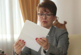 KO ODLUČUJE O POVEĆANJU PENZIJA Vidovićeva odgovorila na pitanje poslanika