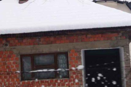 ZAKLAO SVOJE TROJE DJECE, PA PRESUDIO SEBI Kuća strave i užasa pored Bihaća još nije srušena