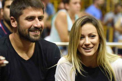 ANA KOKIĆ I KLINCI Rađen slavi sa bivšom ženom, snimak oduševio mnoge (VIDEO)