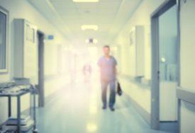 NAPADAO MEDICINSKE SESTRE Pacijent napravio dramu u bolnici, pa se nasmrt izbo nožem