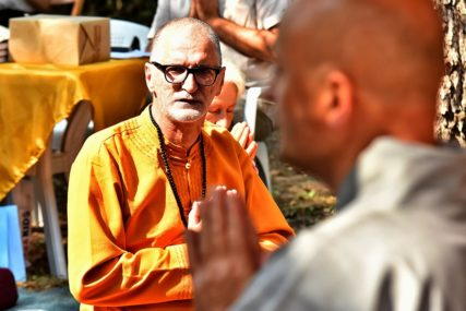 Budizam mu je pomogao da pronađe put: Pjevač popularnog benda danas živi POTPUNO DRUGAČIJE