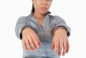 SRAMOTNO Uhapšene žene koje su ukrale novčanik iz DJEČJIH KOLICA