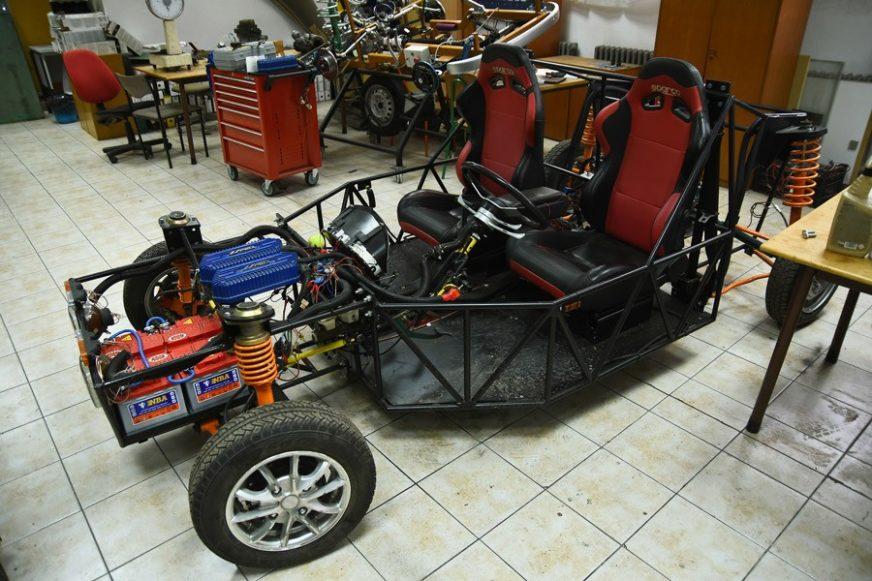 OVO JE HERMES Studenti iz Novog Sada napravili vozilo na hibridno-električni pogon, koje ide do 100 NA SAT