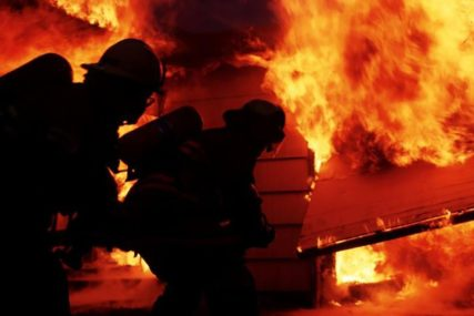 MOLBE NISU DALE REZULTATE Banjalučki vatrogasci i juče ugasili 12 požara niskog rastinja