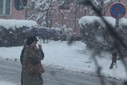 PRAVA ZIMA NAM SE SMJEŠKA Meteorolozi tvrde da u BiH stiže SNIJEG, a otkrivaju i KADA