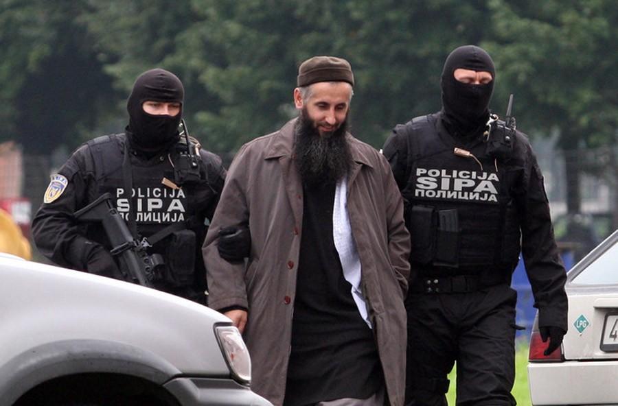 UTOPILI SE U SANI Hoće li Bilal Bosnić moći na sahranu sinu i bratu?