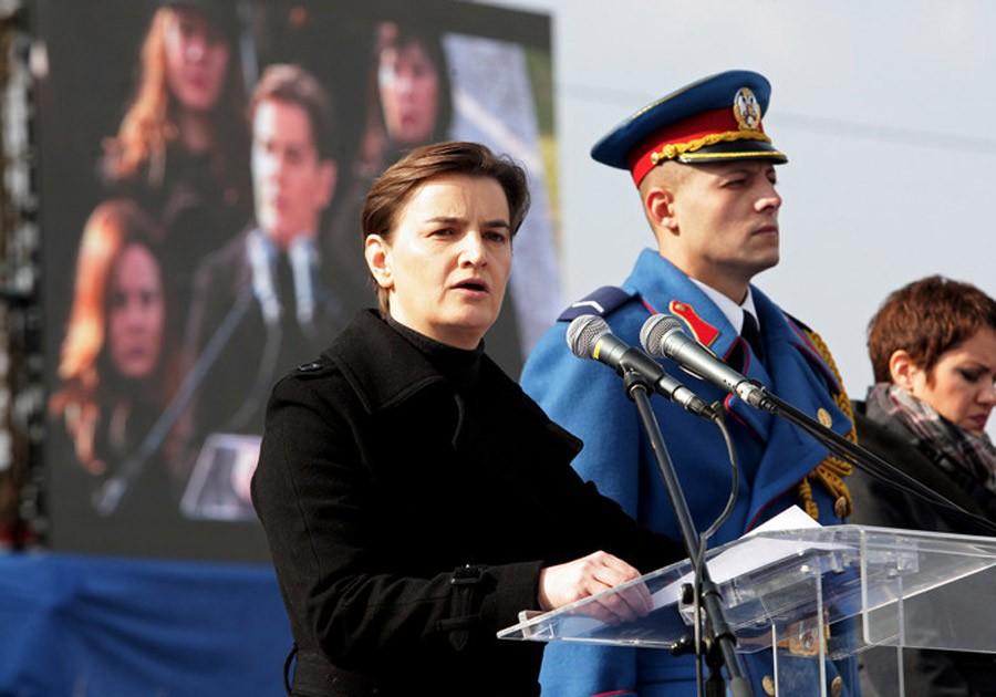 """INCIDENT NA SVEČANOSTI Brnabić odgovorila na zvižduke: """"Poštujte pretke, fašizam neće proći"""" (VIDEO)"""